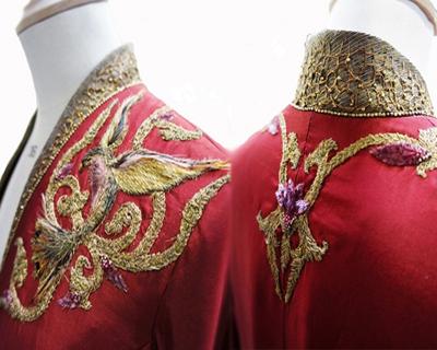 Kjole fra Game of Thrones. Billede lånt fra www.buzzfeed.com.