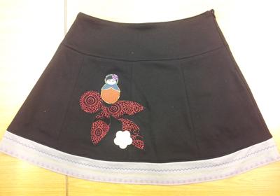 Ann har syet denne nederdel som sit første projekt.
