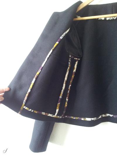 Indersiden af jakken - Liberty stof brugt til at kante sømrummet.