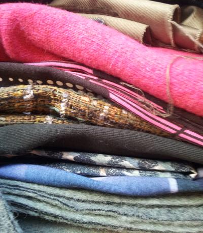 Lækre og flotte metervarer til luffer, huer og tørklæder. Stoffet er fra Citystoffer.