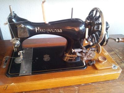 hvordan tråder man en symaskine
